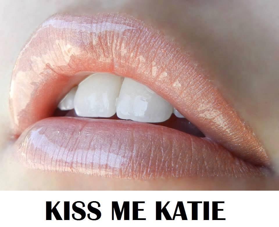 kiss-me-katie-lips-1