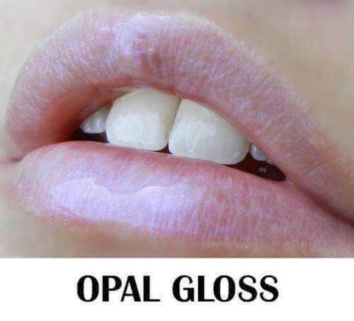 opal-gloss-lips